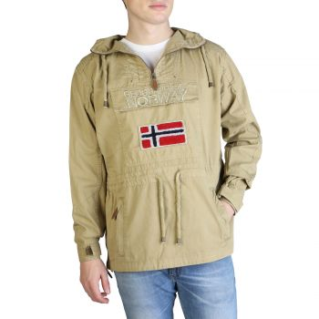 Geographical Norway Vestes Chomer_man